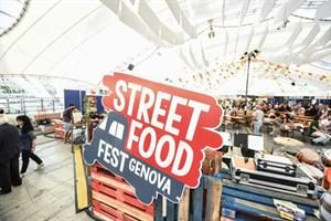 Streeat food truck festival a Genova