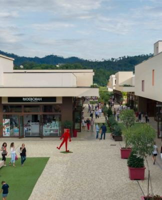 5Terre Outlet Village