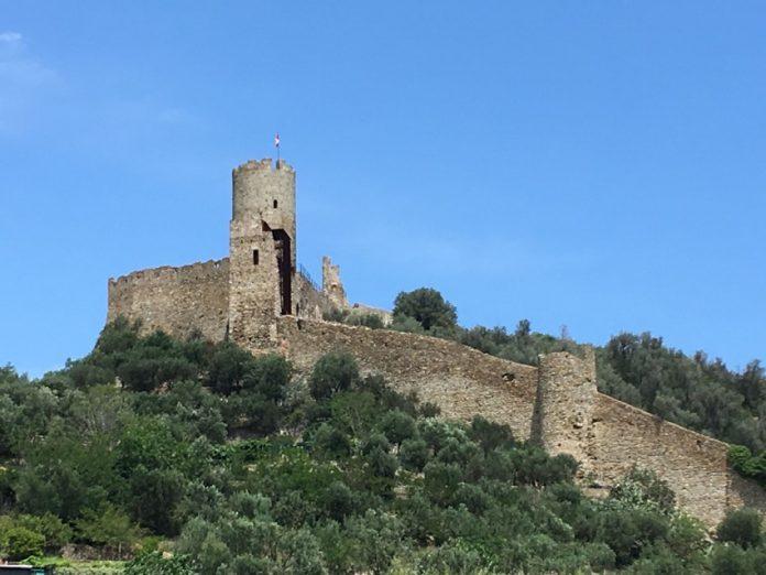 Noli_Castello di Monte Ursino